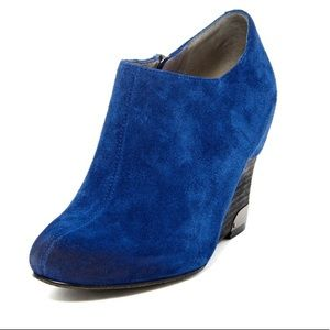 VINCE CAMUTO 'HAMIL' BLUE SUEDE WEDGE BOOTIE